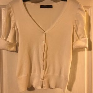 White button up short sleeves button up sweater S.